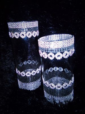 Set Black/Sliver Vase arrangement for Sale in Sioux City, IA