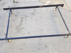 Queen size bed frame in good condition for Sale in Alhambra, CA