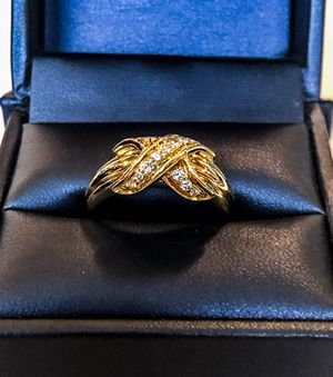 Tiffany & Co. 18k gold ring for Sale in Hollywood, FL