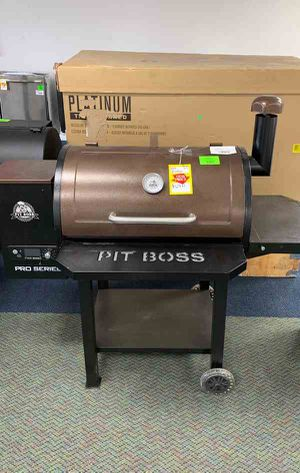 New Pit Boss Pellet Grill!! All new pro series! 820 sq in black and chestnut KE95 for Sale in Houston, TX