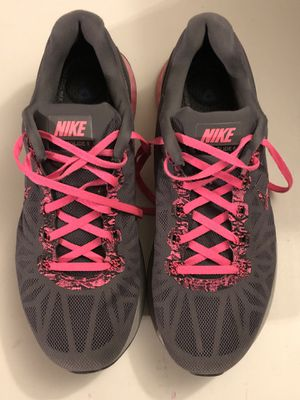 Nike sneakers size 9 for Sale in Traverse City, MI