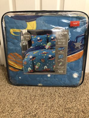 Twin reversible quilt set for Sale in Bethel Park, PA