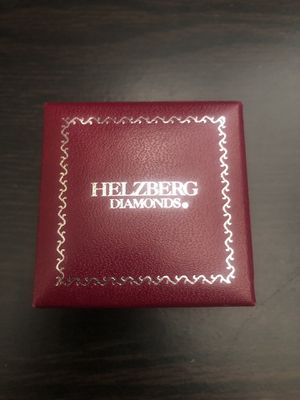 Helzberg Diamonds engagement ring and wedding ring for Sale in Fontana, CA