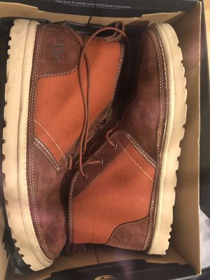 Maroon Ugg Chukka Boots for men for Sale in Florissant, MO
