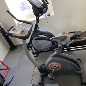 NordicTrack Stationary Bike for Sale in Kagel Canyon, CA