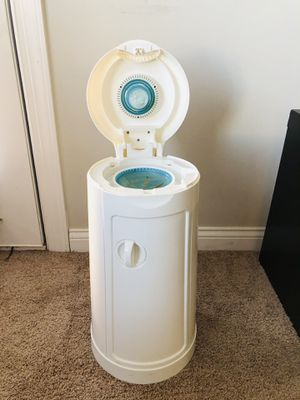 Diaper pail munchkin arm and hammer for Sale in Lewis Center, OH