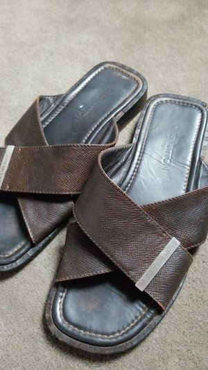 Sandal louis vuitton made in italy size 7,5 size us 9,5 eur 42 for Sale in St. Louis, MO