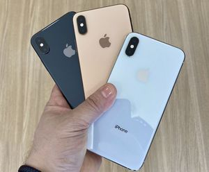 Unlocked iPhone XS Max - WITH WARRANTY for Sale in Providence, RI