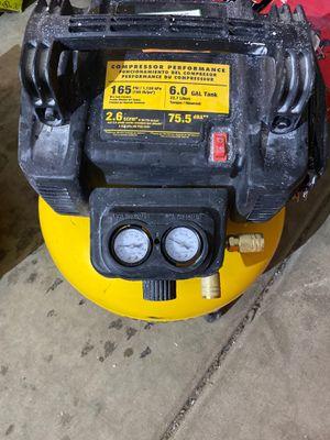 Dewalt 6 gallon air compressor for Sale in Glendale, AZ