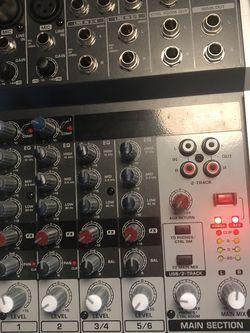 Beginner xenyx Q802USB Premium 8-input 2-bus Mixer With USB Audio Interface, Black for Sale in San Jose,  CA