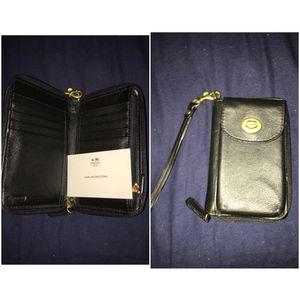 Coach iPhone 5 & 5s wallet for Sale in Clovis, CA