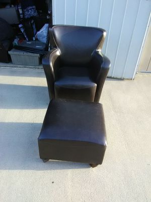 Leather chair and ottoman for Sale in Fresno, CA