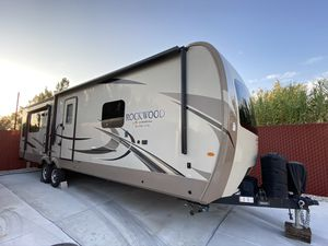 2018 Rockwood Signature Edition Trailer for Sale in Hesperia, CA