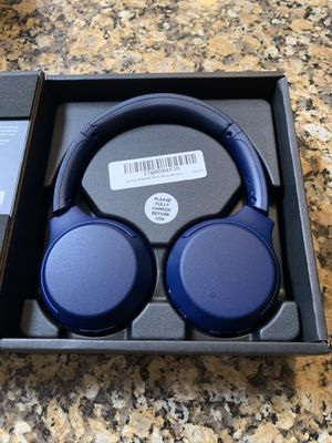 BRAND NEW! Blue Sony WHXB700 Wireless Extra Bass Bluetooth Headphones for Sale in Pembroke Pines, FL