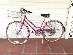 Vintage 70s pink Schwinn cruiser bike bicycle with headlight & basket for Sale in Avon Park, FL
