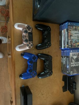 PS4 BUNDLE for Sale in Tustin, CA