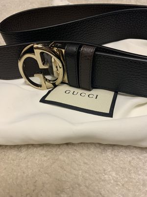 Size 90 Gucci Reversible Belt for Sale in Montgomery, OH