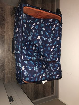 Large lightweight suitcase for Sale in San Diego, CA