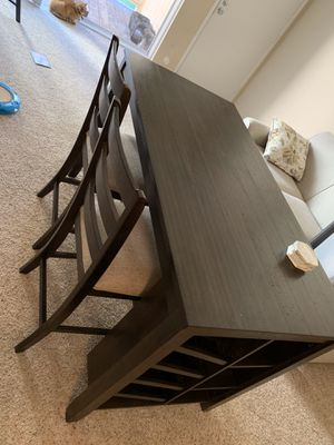 5 piece Dining table set with wine storage for Sale in Hayward, CA