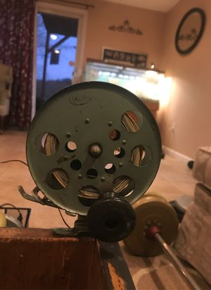 Antique fishing reel for Sale in Pompton Lakes, NJ