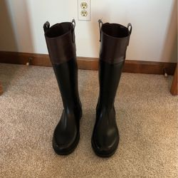 Rain Boots Banana Republic Size 8 for Sale in St. Charles,  IL