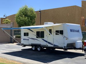2010 Wildwood.ce by forest river 21ft like new slp 6 for Sale in Corona, CA