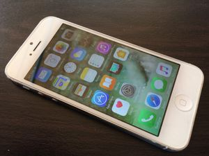 IPhone 5 16gb white color, unlocked for Sale in Franklin, TN