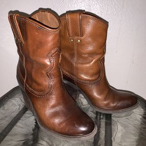 Lucky brand size 5/6 women's boots for Sale in Tacoma, WA