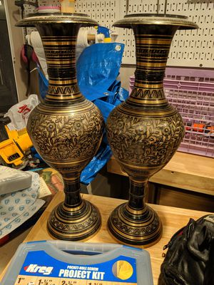 2 large vases flowers for Sale in Hicksville, NY