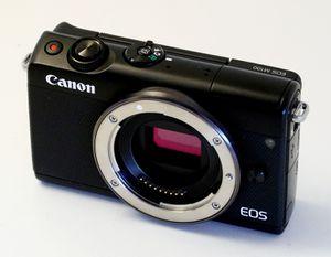 Canon EOS M100 digital camera 24 MP for Sale in Miami, FL