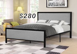 QUEEN BED FRAME W/ MATTRESS for Sale in Paramount, CA