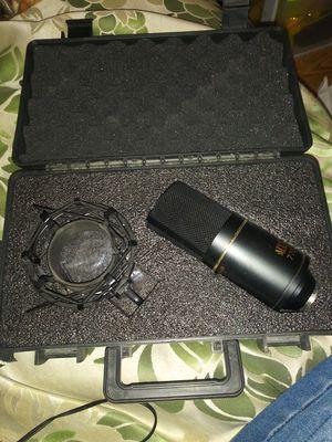 Mxl 990 condenser mic for Sale in Hyattsville, MD