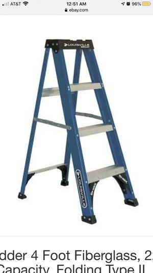 4 foot Louisville ladder for Sale in Douglasville, GA