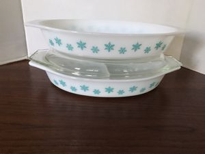 Pyrex snowflake open and divided casseroles for Sale in Grand Terrace, CA