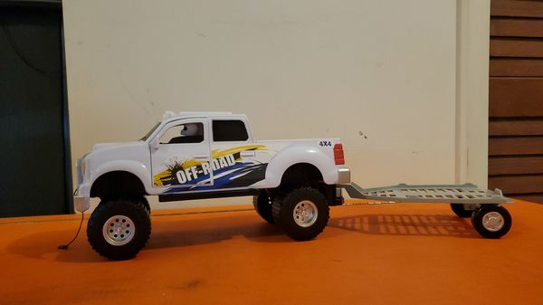 4x4 Off-Road White Truck