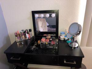 Makeup Vanity for Sale in Cherry Valley, CA