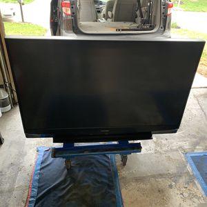 50 inch Mitsubishi tv for Sale in Saint Charles, MO