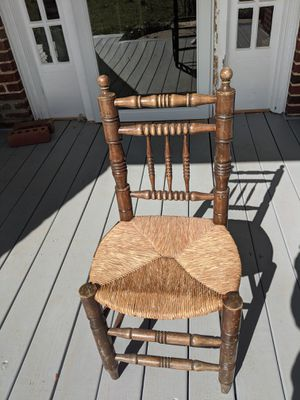 Antique Chair for Sale in Greenville, SC