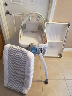 Bassinet/reversible changing table for Sale in Pembroke Pines, FL