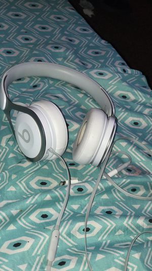 Dr Dre Beats Headphones for Sale in Hillcrest Heights, MD