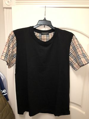 Burberry Tee for Sale in Raleigh, NC