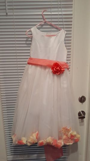 Flower girl dress 5-6 for Sale in Las Vegas, NV