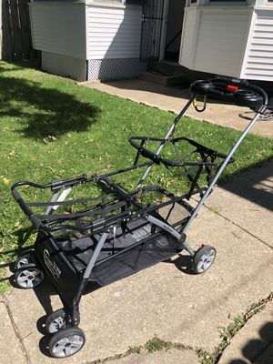 Baby Trend Double Snap & Go Stroller for Sale in Brooklyn, OH