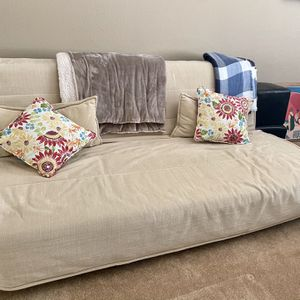 Futon Couch for Sale in Vallejo, CA
