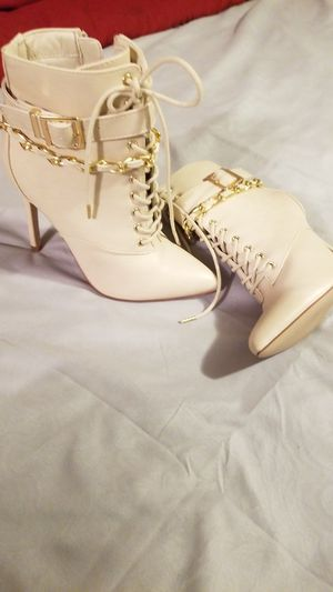 Women boots size 5.5 for Sale in DeSoto, TX