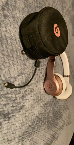 Beats solo 3 wireless for Sale in West Sacramento, CA