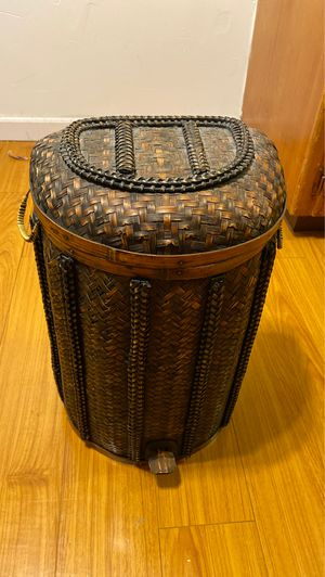 Woven Trashcan with handles for Sale in Los Angeles, CA