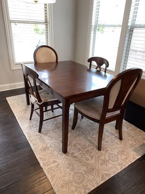 Dining/Kitchen table and 4 chairs for Sale in Smyrna, GA