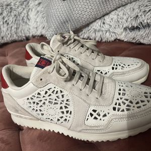 Carolina Herrera Women sneakers for Sale in Miami, FL