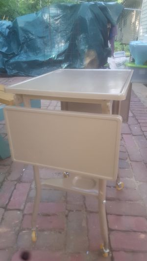 Vintage typewriter table with drop leafs in excellent condition for Sale in Peoria, IL